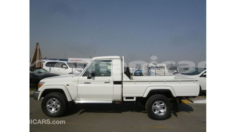 Big with watermark toyota land cruiser dhufar import dubai 2966