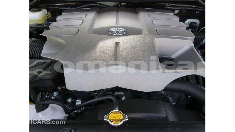 Big with watermark toyota land cruiser dhufar import dubai 2995