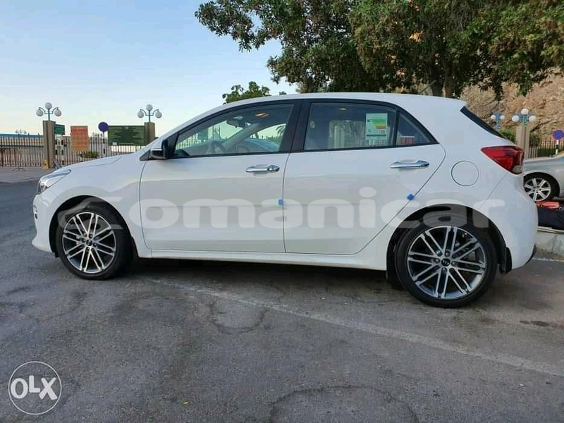 Big with watermark kia rio masqat azaiba 4765