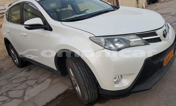 Buy Used Toyota RAV4 White Car in Muscat in Masqat